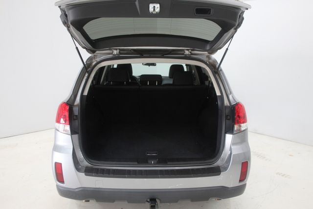 2010 Subaru Outback Ltd Houston, Texas 14
