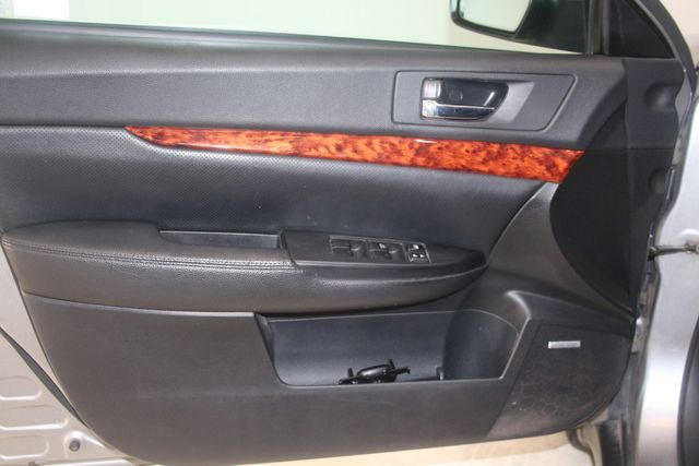 2010 Subaru Outback Ltd Houston, Texas 18