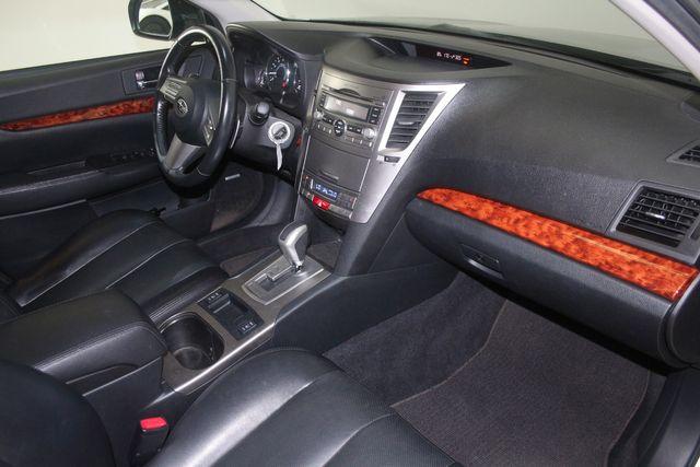 2010 Subaru Outback Ltd Houston, Texas 26
