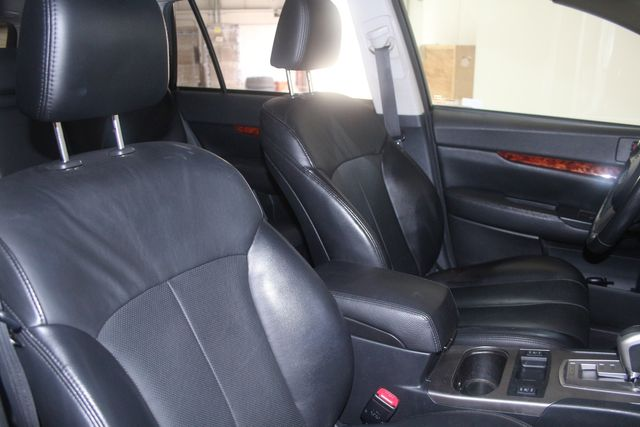 2010 Subaru Outback Ltd Houston, Texas 28