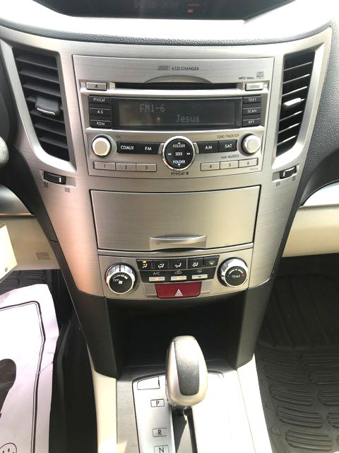 2010 Subaru Outback Premium Knoxville, Tennessee 12