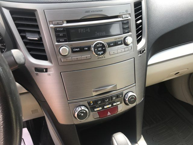 2010 Subaru Outback Premium Knoxville, Tennessee 8