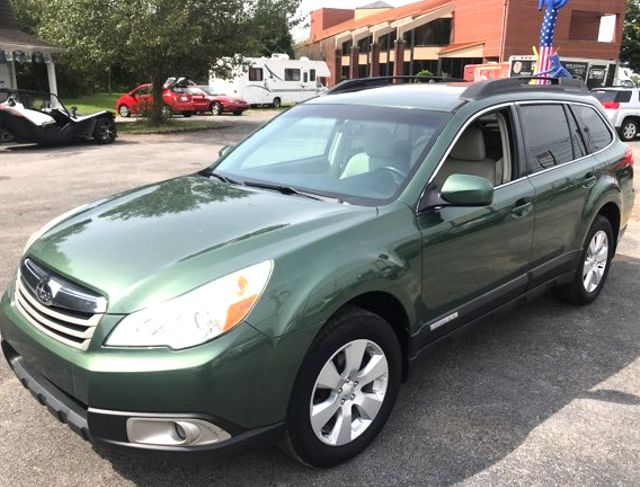 2010 Subaru Outback Premium Knoxville, Tennessee 2