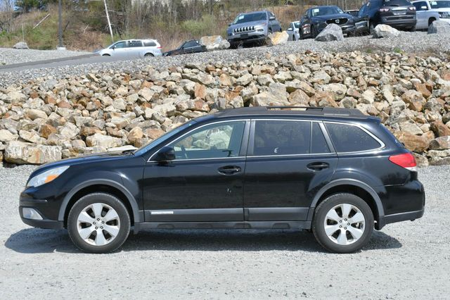 2010 Subaru Outback Premium All-Weather AWD Naugatuck, Connecticut 2