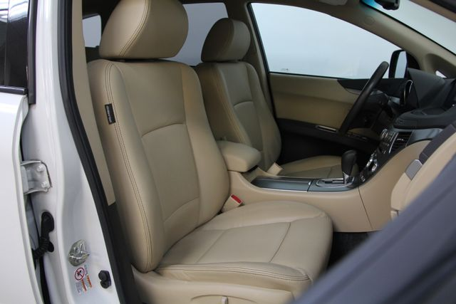 2010 Subaru Tribeca 3.6R Limited AWD Richmond, Virginia 21