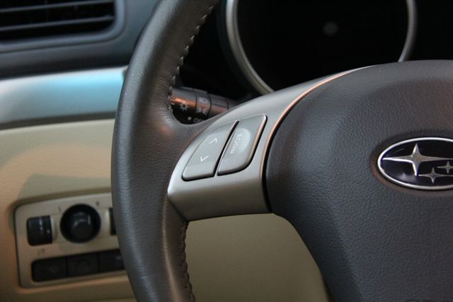 2010 Subaru Tribeca 3.6R Limited AWD Richmond, Virginia 5
