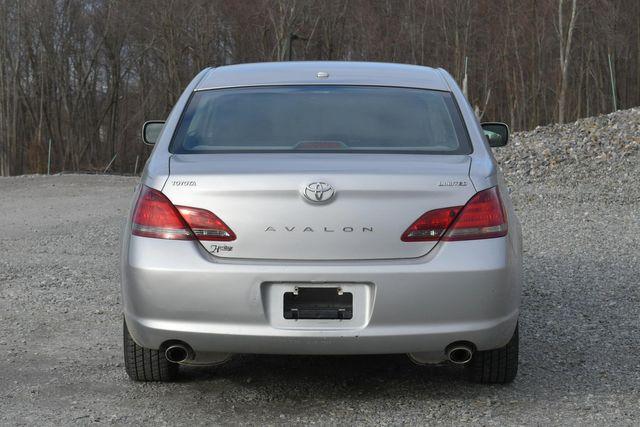 2010 Toyota Avalon Limited Naugatuck, Connecticut 3