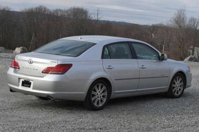 2010 Toyota Avalon Limited Naugatuck, Connecticut 4