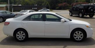 2010 Toyota Camry LE Fayetteville , Arkansas 3