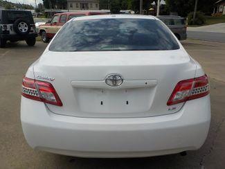 2010 Toyota Camry LE Fayetteville , Arkansas 5