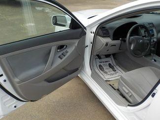 2010 Toyota Camry LE Fayetteville , Arkansas 7