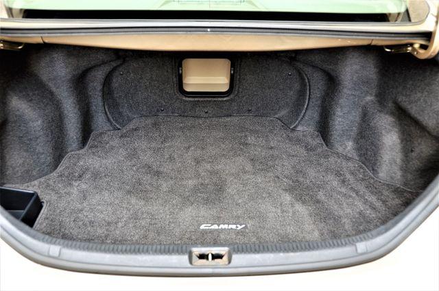 2010 Toyota Camry XLE Reseda, CA 33