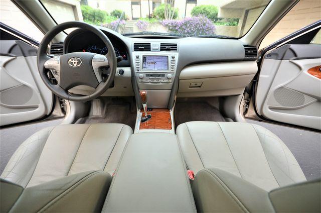 2010 Toyota Camry XLE Reseda, CA 9