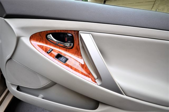 2010 Toyota Camry XLE Reseda, CA 40