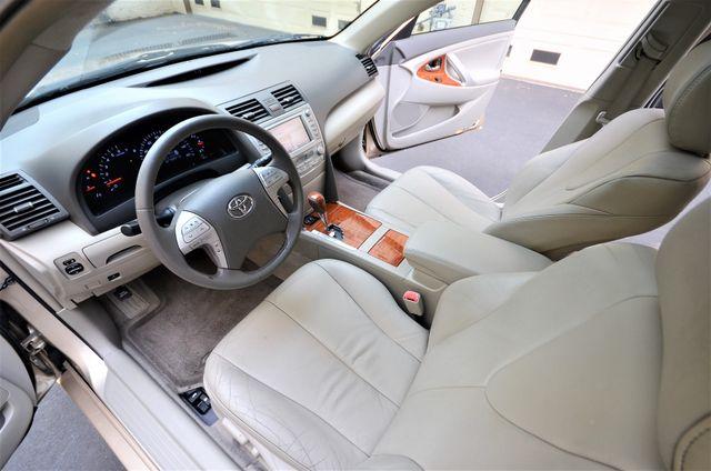 2010 Toyota Camry XLE Reseda, CA 43
