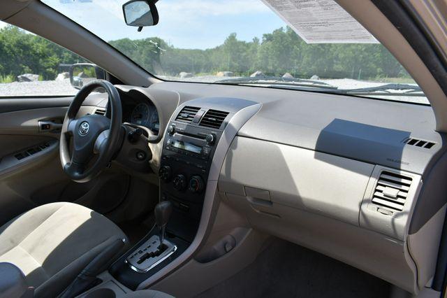 2010 Toyota Corolla LE Naugatuck, Connecticut 10