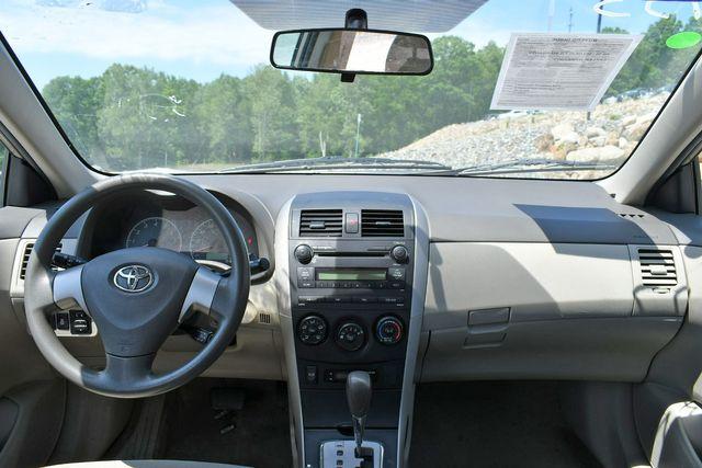 2010 Toyota Corolla LE Naugatuck, Connecticut 12