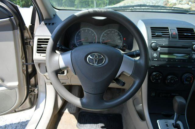 2010 Toyota Corolla LE Naugatuck, Connecticut 15