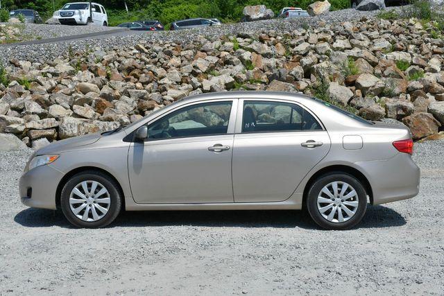 2010 Toyota Corolla LE Naugatuck, Connecticut 3