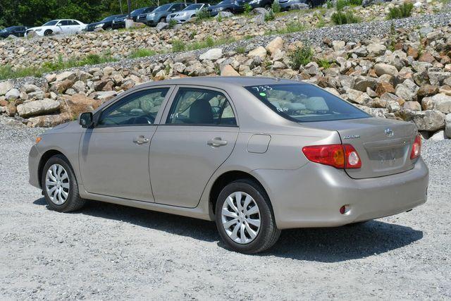 2010 Toyota Corolla LE Naugatuck, Connecticut 4