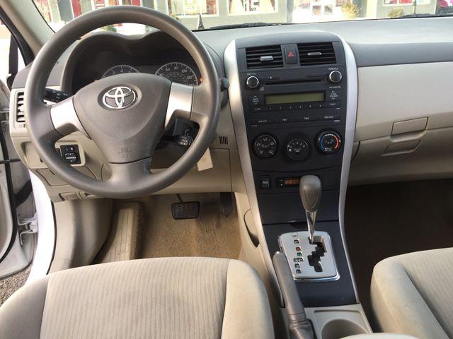 2010 Toyota Corolla LE New Brunswick, New Jersey 11