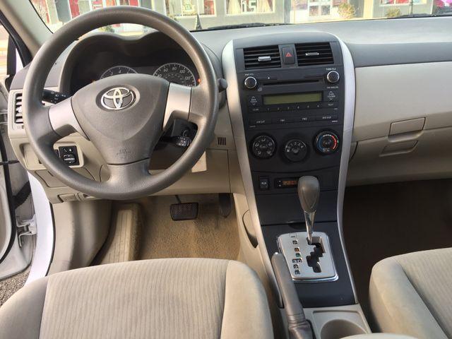 2010 Toyota Corolla LE New Brunswick, New Jersey 12