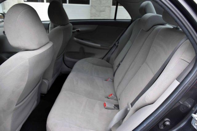 2010 Toyota Corolla 4dr Sdn Auto LE Waterbury, Connecticut 14