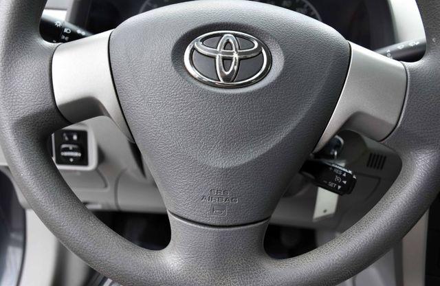 2010 Toyota Corolla 4dr Sdn Auto LE Waterbury, Connecticut 25