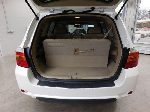 2010 Toyota Highlander Base in Airport Motor Mile ( Metro Knoxville ), TN 37777