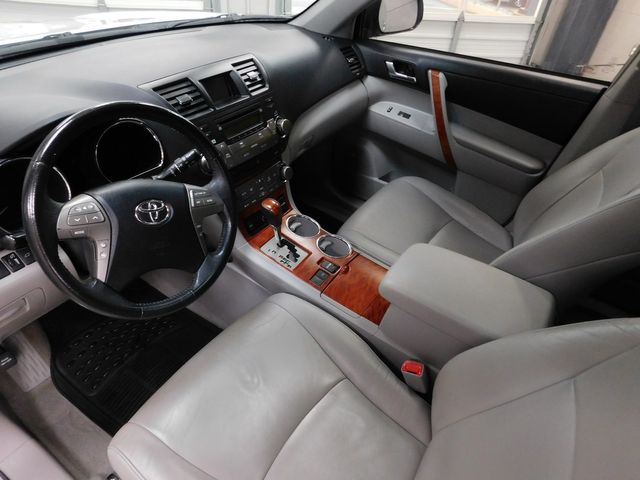 2010 Toyota Highlander Limited in Airport Motor Mile ( Metro Knoxville ), TN 37777