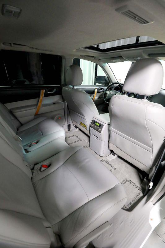 2010 Toyota Highlander Hybrid Limited w3rd Row - AWD - Navigation - JBL Sound  city California  MDK International  in Los Angeles, California