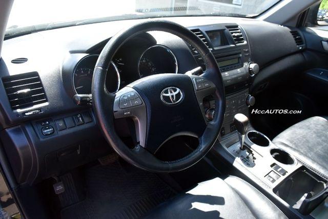 2010 Toyota Highlander SE Waterbury, Connecticut 23