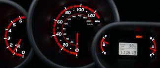 2010 Toyota Matrix 5dr Wgn Man FWD Waterbury, Connecticut 28