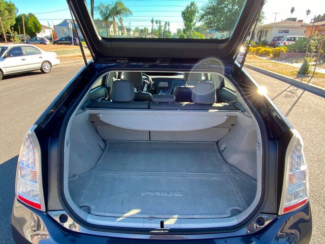 2010 Toyota PRIUS 5 SOLAR ROOF NAVIGATION NEW TIRES XENON SERVICE RECORDS in Van Nuys, CA 91406