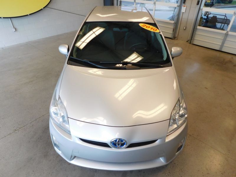 2010 Toyota Prius III  city TN  Doug Justus Auto Center Inc  in Airport Motor Mile ( Metro Knoxville ), TN