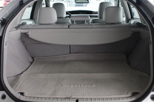 2010 Toyota Prius IV FWD - NAVIGATION - BKUP CAMERA - JBL SOUND! Mooresville , NC 11
