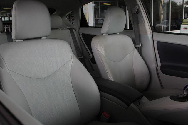 2010 Toyota Prius IV FWD - NAVIGATION - BKUP CAMERA - JBL SOUND! Mooresville , NC 13