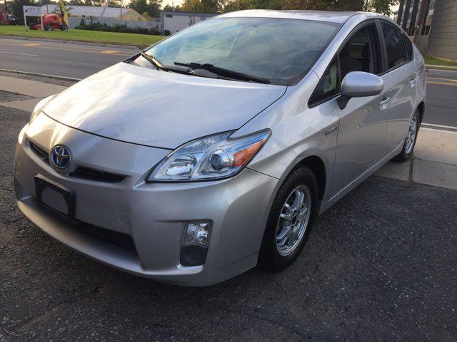2010 Toyota Prius III New Brunswick, New Jersey 2