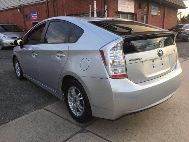 2010 Toyota Prius III New Brunswick, New Jersey 4