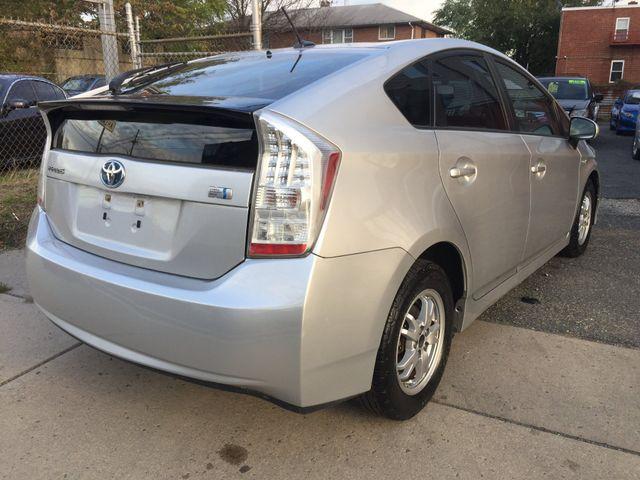 2010 Toyota Prius III New Brunswick, New Jersey 7