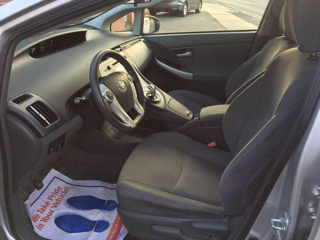 2010 Toyota Prius III New Brunswick, New Jersey 12