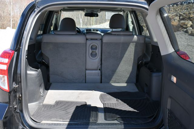 2010 Toyota RAV4 Ltd 4WD Naugatuck, Connecticut 11