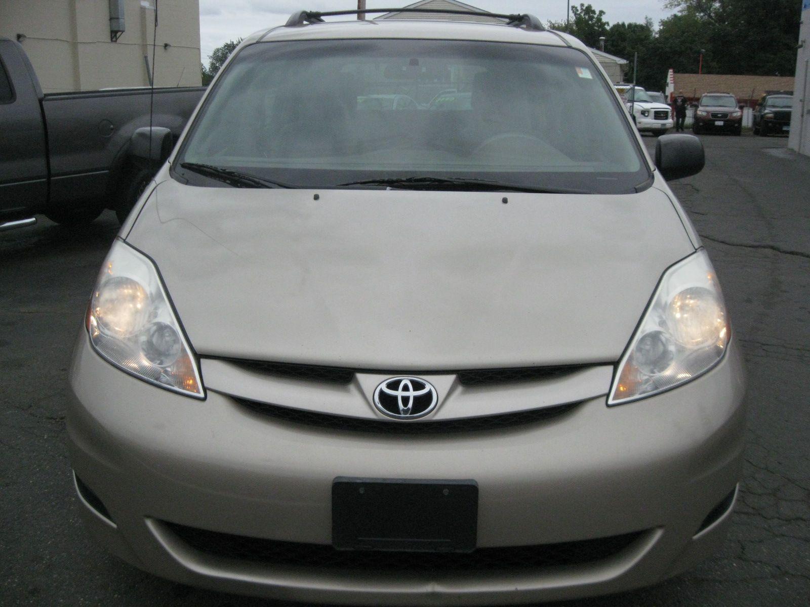 2010 Toyota Sienna Ce City Ct York Auto Sales