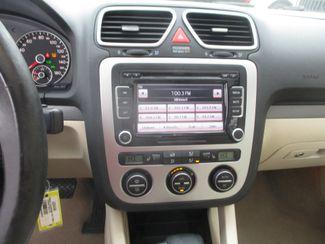 2010 Volkswagen Eos Komfort Farmington, MN 4