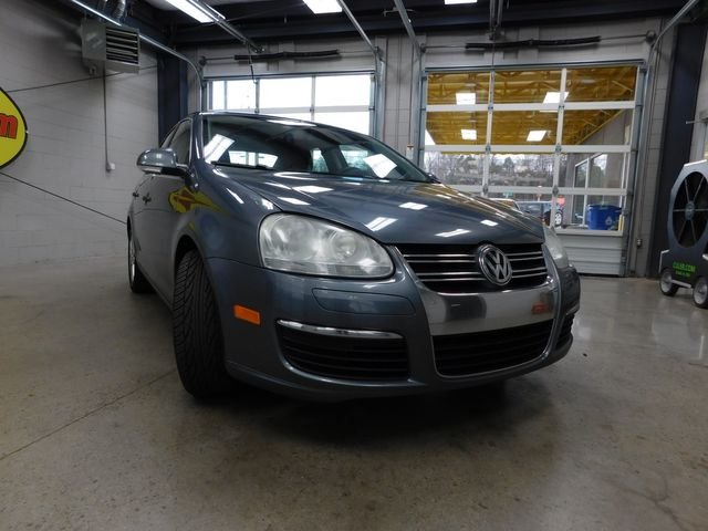 2010 Volkswagen Jetta TDI in Airport Motor Mile ( Metro Knoxville ), TN 37777