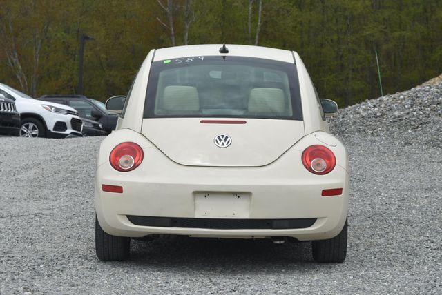 2010 Volkswagen New Beetle Naugatuck, Connecticut 3