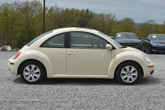 2010 Volkswagen New Beetle Naugatuck, Connecticut 5