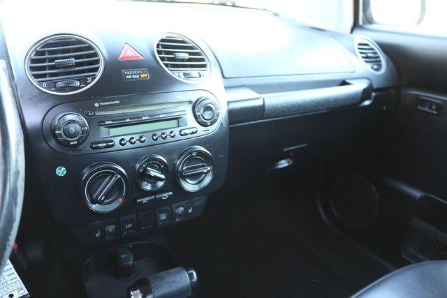 2010 Volkswagen New Beetle Santa Clarita, CA 17