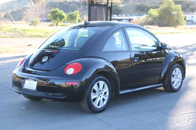 2010 Volkswagen New Beetle Santa Clarita, CA 9