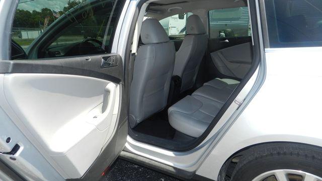 2010 Volkswagen Passat Komfort Hudson , Florida 12